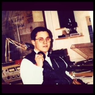 En el estudio de Cadena Dial en Radio Pontevedra (1992)