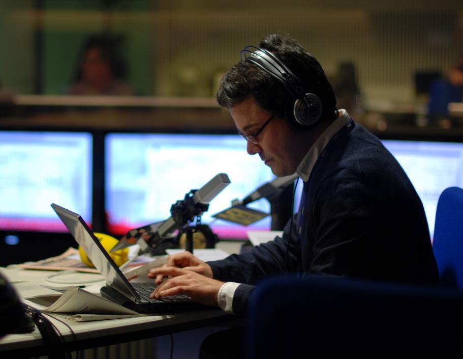 Javier Casal en el estudio central de Radio Madrid